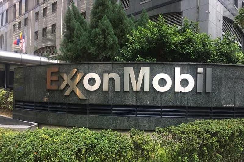 Exxon Mobil 4 01-11-17